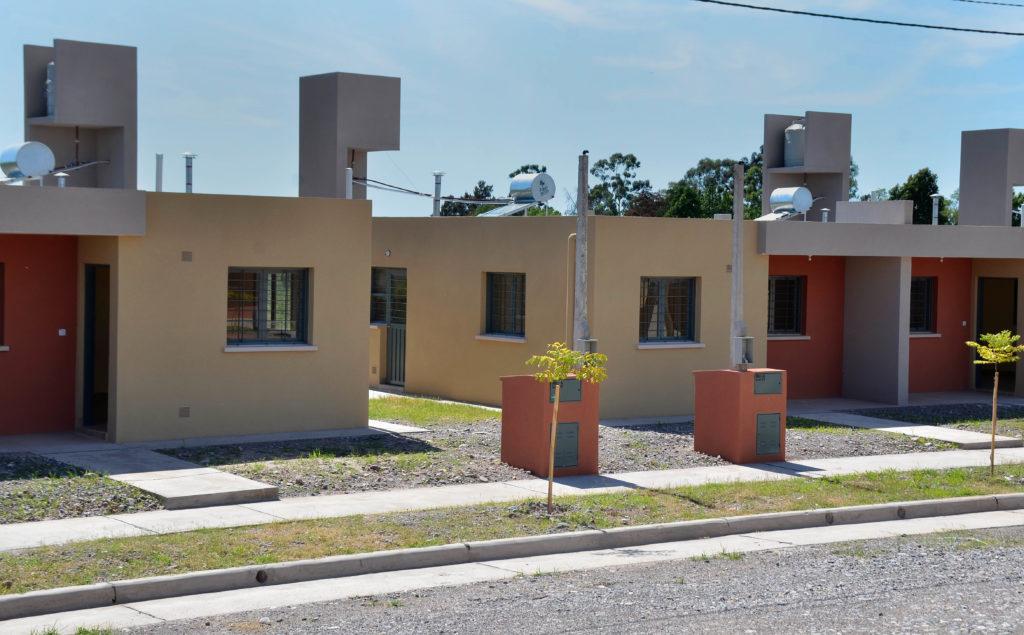 270417- Entrega 20 viviendas por Demanda Libre en Perico (2)